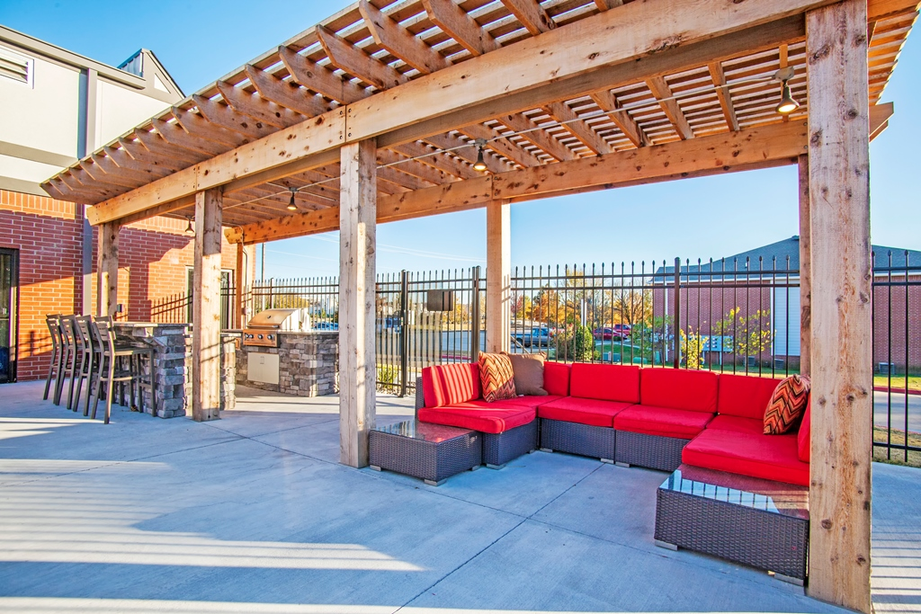 Poolside Pergola at The Quarters on Razorback Road Apartments in Fayetteville, AR