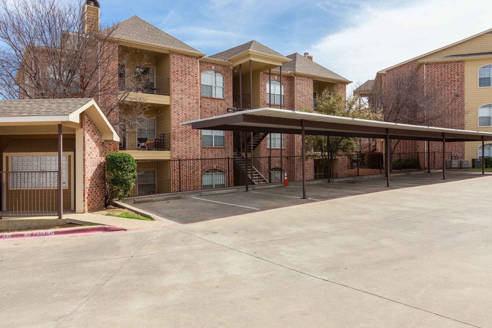 Covered Parking Options at Station 3700 Apartment Homes in Euless, Texas