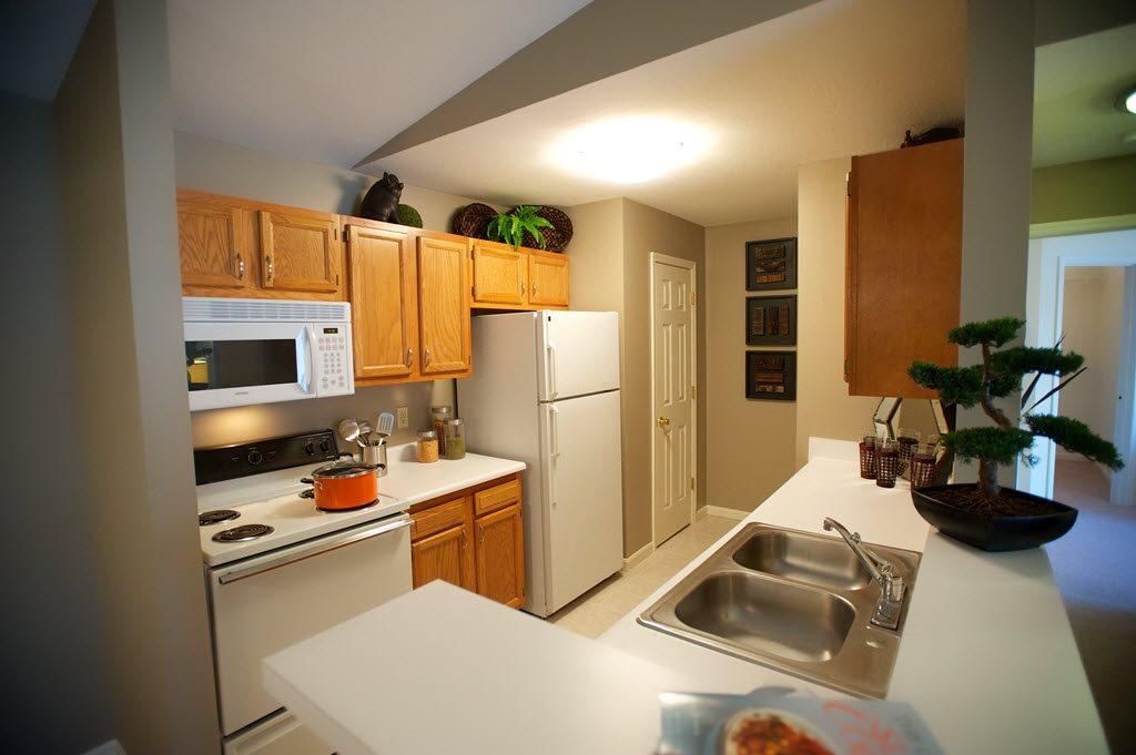 Full Suite of Kitchen Appliances at Stone Bridge Apartments in Mason, Ohio