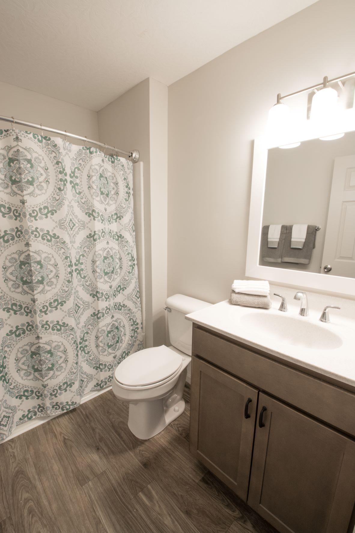 Shower and Bathtub Combination at Stone Bridge Apartments in Mason, Ohio