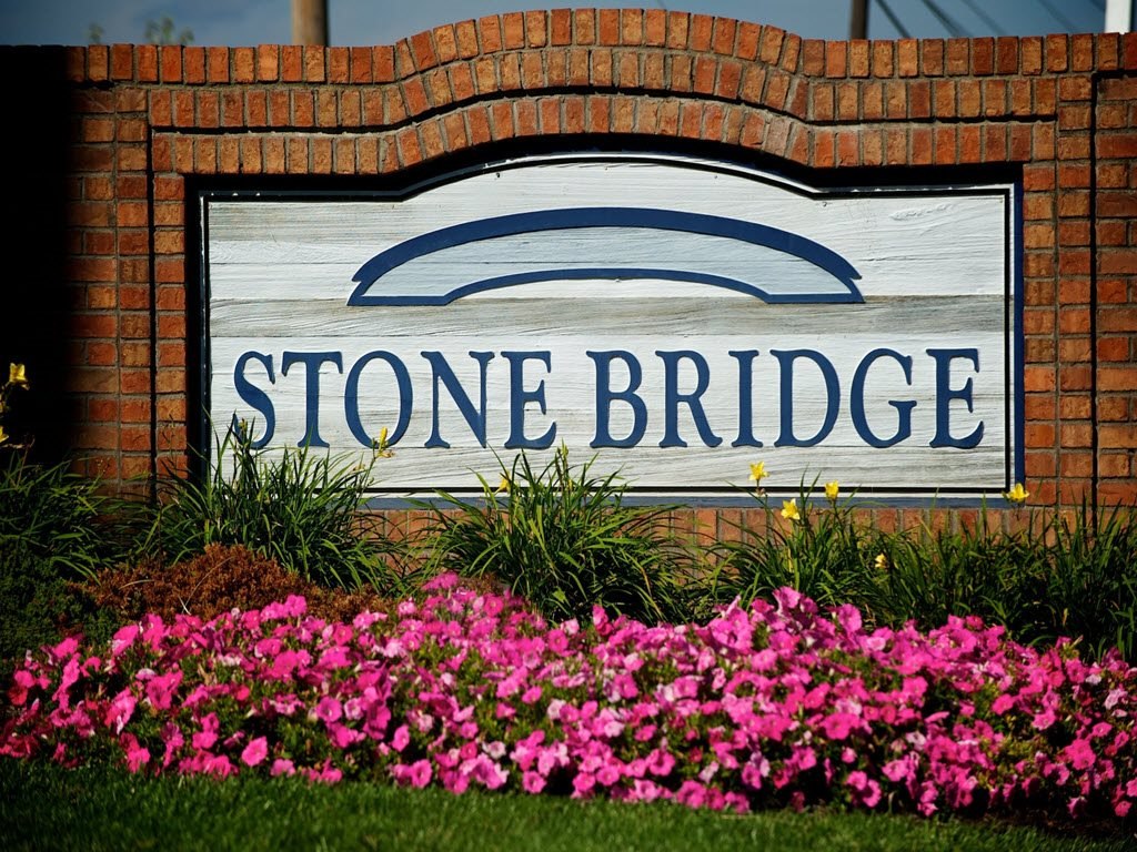 Mason Apartment Rentals at Stone Bridge Apartments in Mason, Ohio