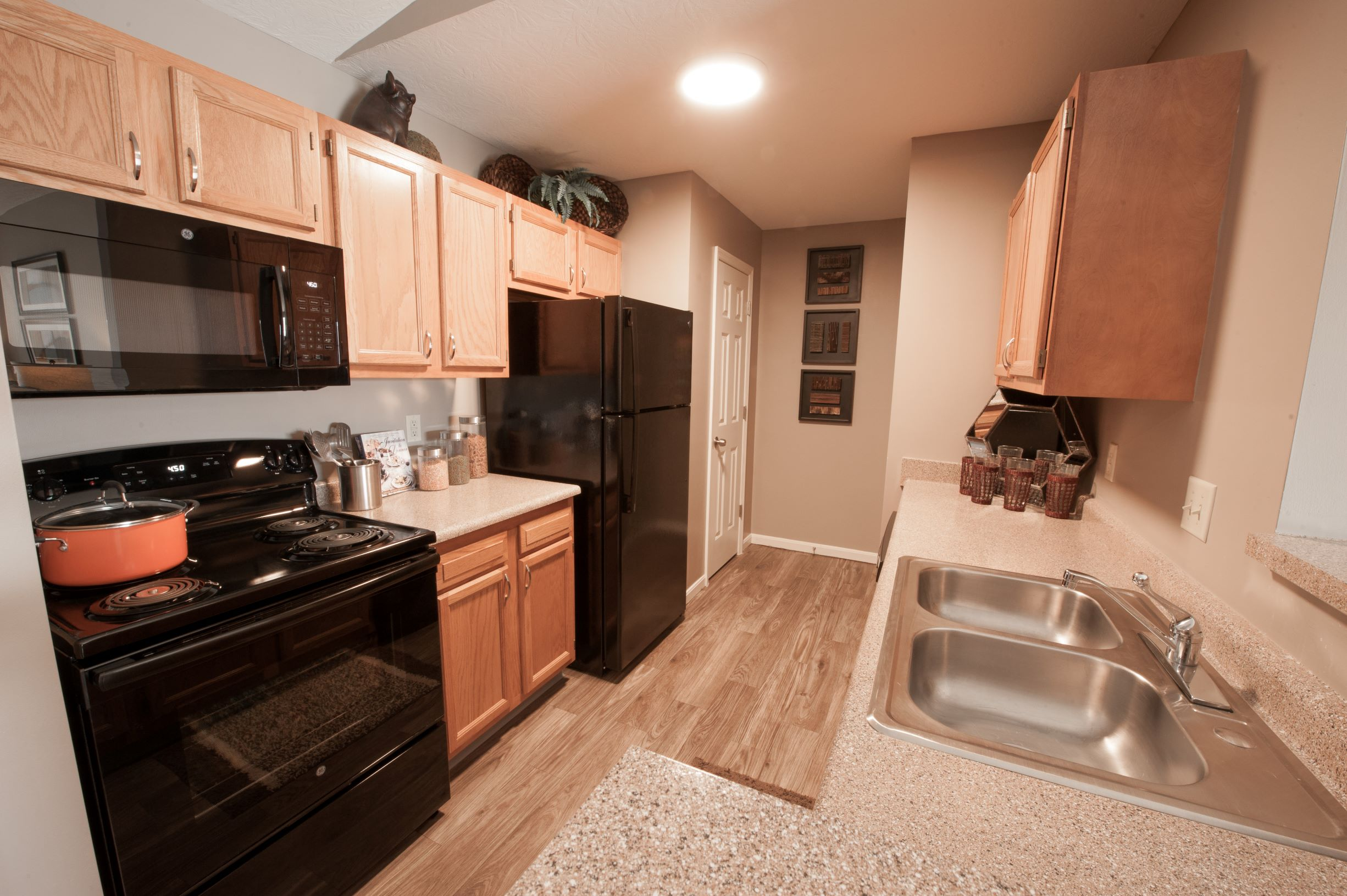 Full Suite of Kitchen Appliances at Stone Bridge Apartments in Mason, Ohio