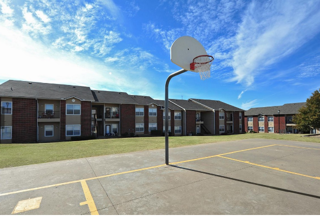 Basketball Court at the Stonebrook Village Apartments in Frisco, TX