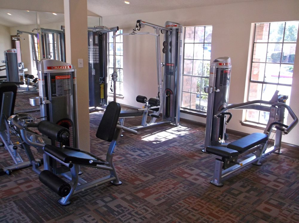 Fully-Equipped Fitness Center at Stonehill at Pipers Creek Apartments in San Antonio, Texas