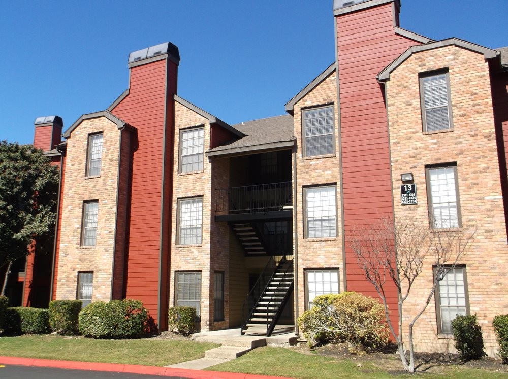Apartments for Rent in San Antonio at Stonehill at Pipers Creek Apartments in San Antonio, Texas