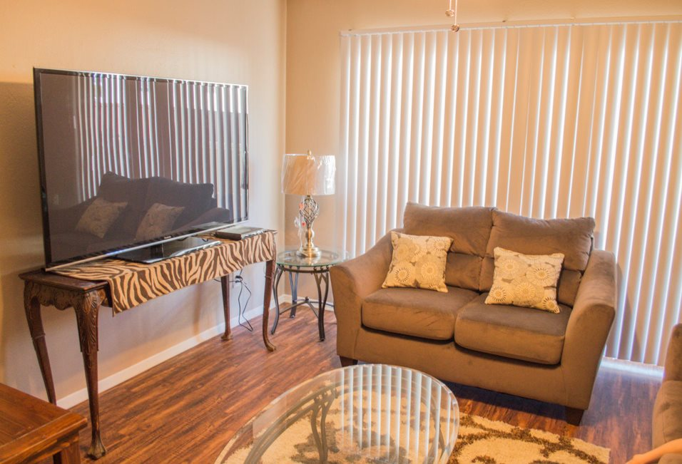 Conveniently Located Apartments at Summer Glen Apartments in Dallas, Texas