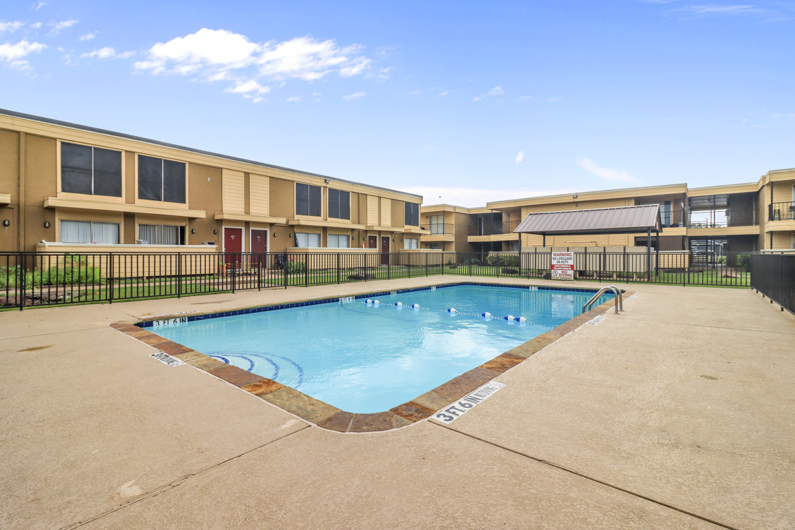 Swimming Pool at Summer Glen Apartments in Dallas, Texas
