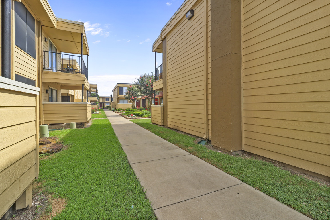 One, Two and Three-Bedroom Floorplans at Summer Glen Apartments in Dallas, Texas