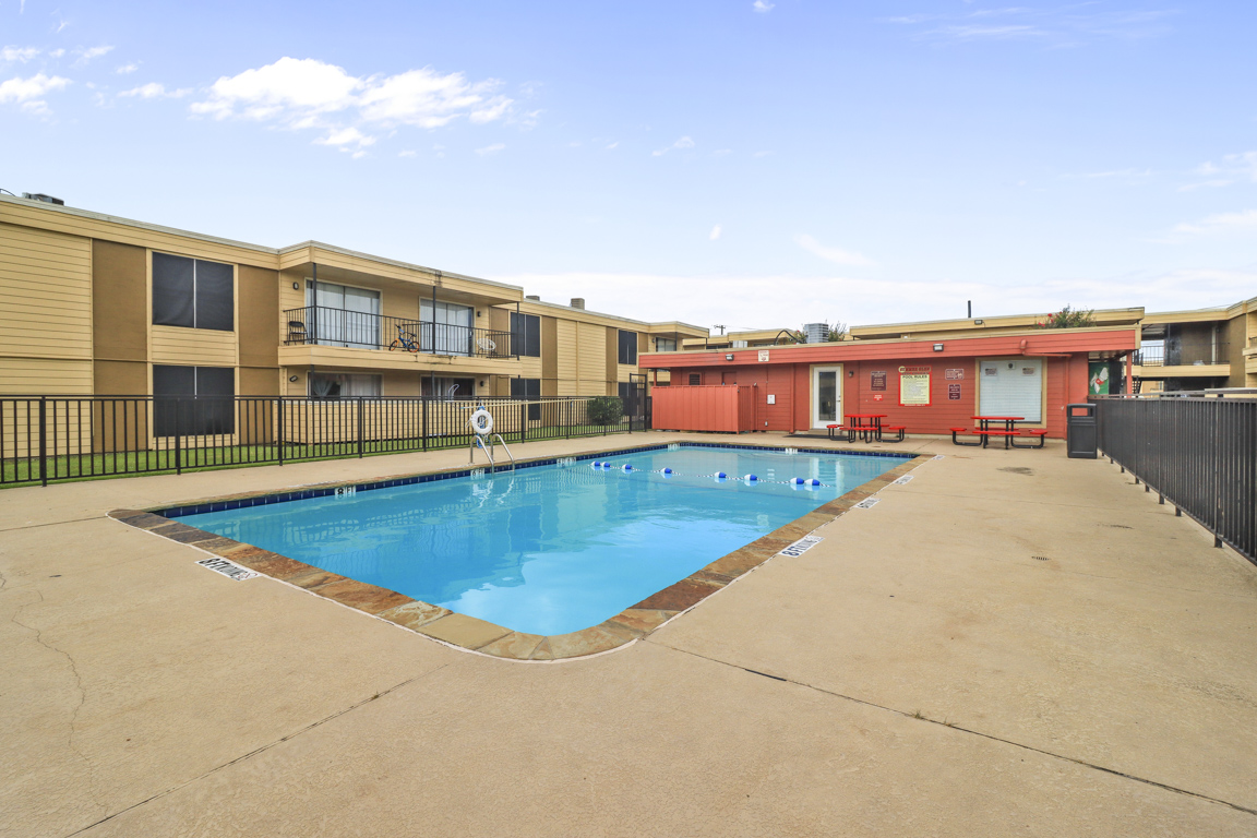 Resort-Style Swimming Pool at Summer Glen Apartments in Dallas, Texas