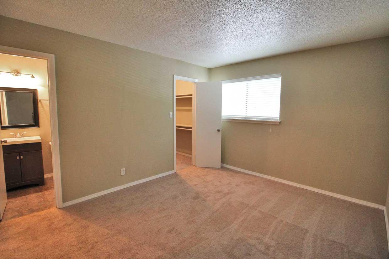 Carpet Flooring at Sungate Apartments in San Antonio, Texas