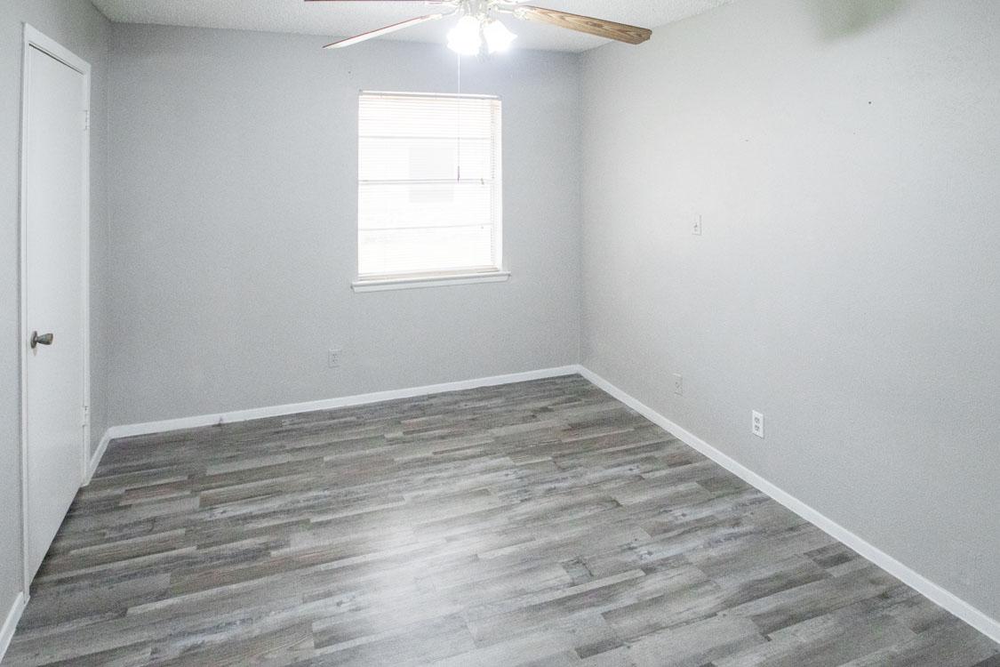 Stylish Wood-Look Flooring at Sunscape Apartments in Abilene, Texas