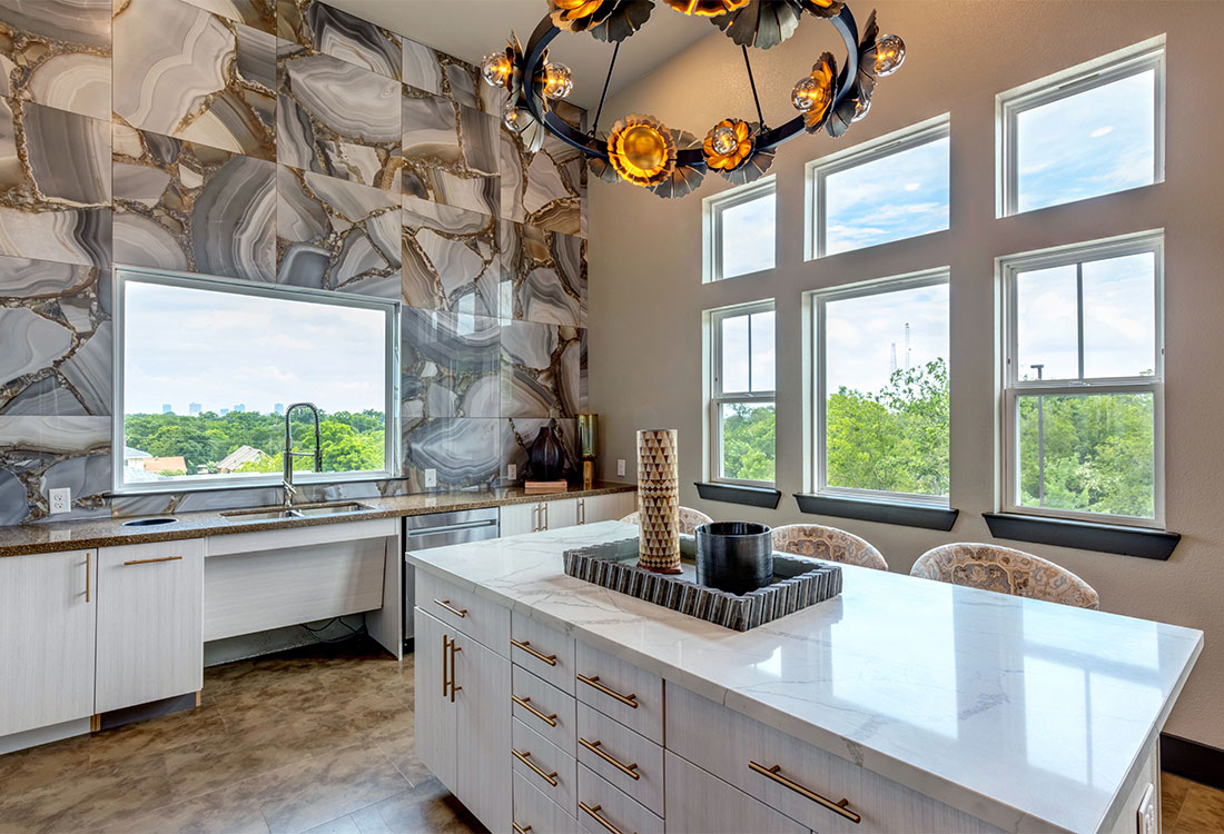 Gorgeous Community Kitchen at Sunset at Fash Place Apartments in Fort Worth, TX