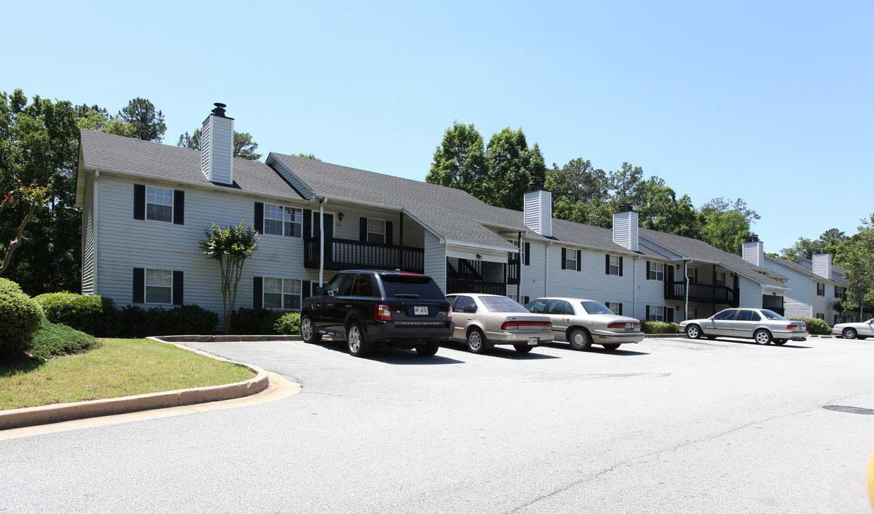 Conyers Apartments for Rent at Tall Oaks Apartments and Villas in Conyers, GA
