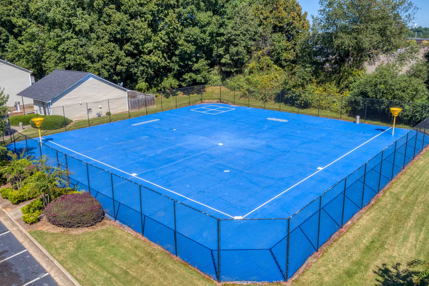 Tennis Court at Tall Oaks Apartments and Villas in Conyers, GA