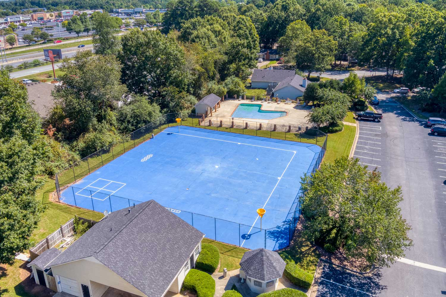 Court at Tall Oaks Apartments and Villas in Conyers, GA
