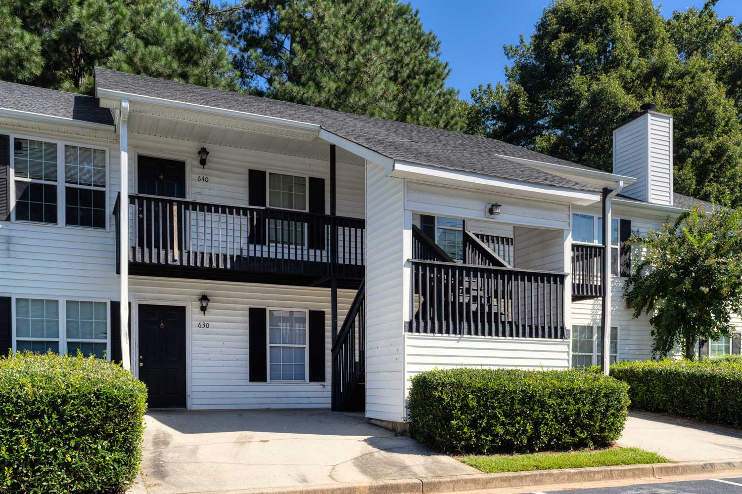 Two Bedroom Apartments at Tall Oaks Apartments and Villas in Conyers, GA