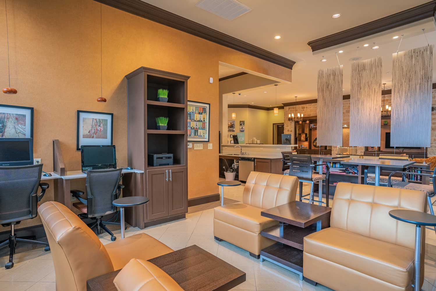 Professional Business Center at Oxford at Tech Ridge Apartments in Austin, TX