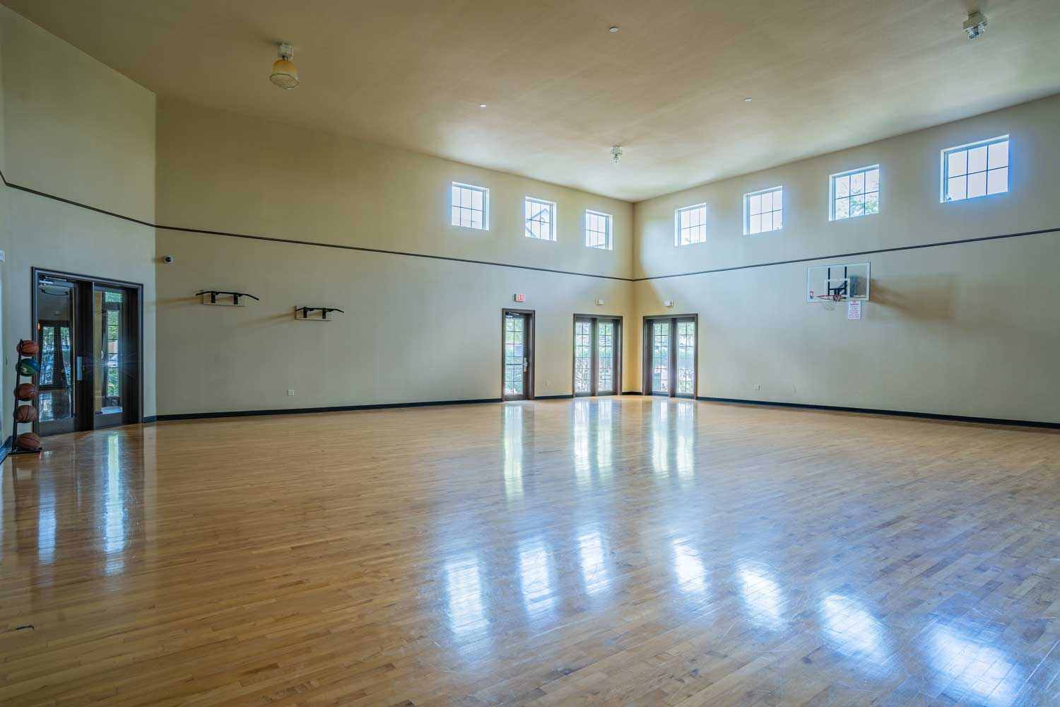 Indoor Basketball Court at The Oxford at Tech Ridge Apartments in Austin, TX