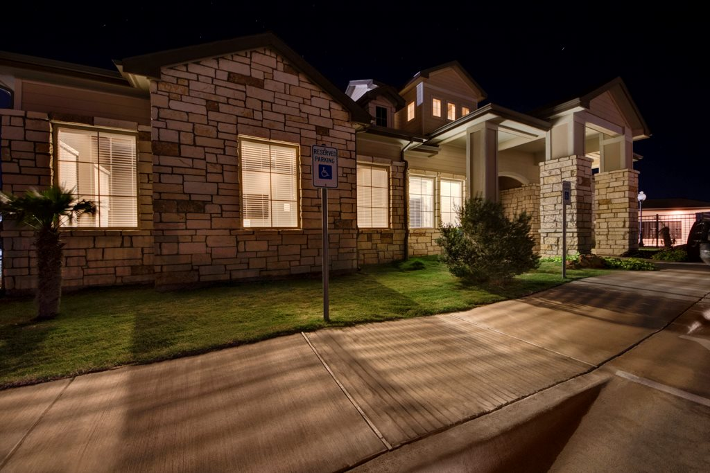 Apartments in Midland at The Azure Apartment Homes in Midland, Texas
