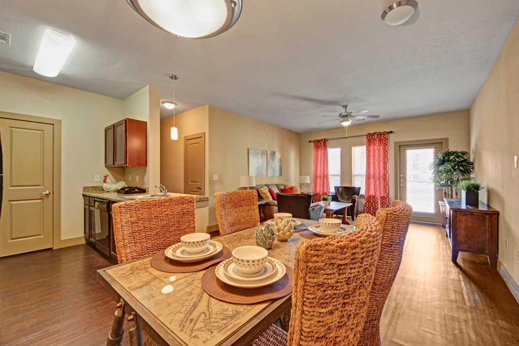 Dining Area at The Azure Apartment Homes in Midland, Texas
