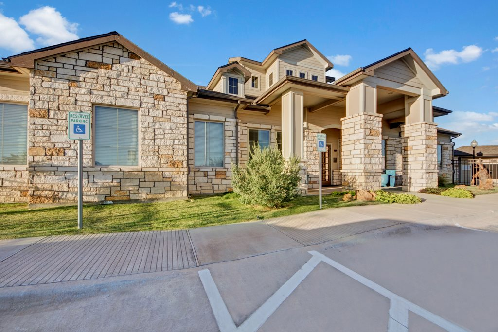Resident Clubhouse at The Azure Apartment Homes in Midland, Texas