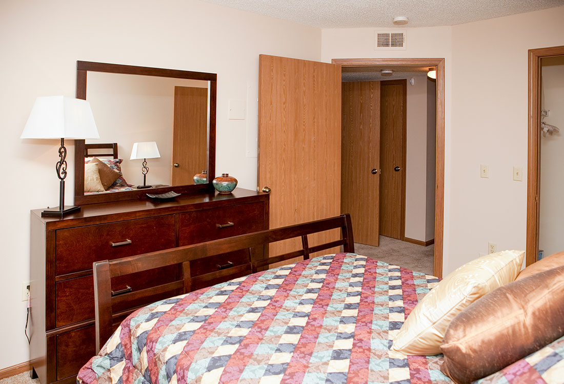 3-Bedroom Apartments for Rent at The Bluffs Apartments in Council Bluffs, IA