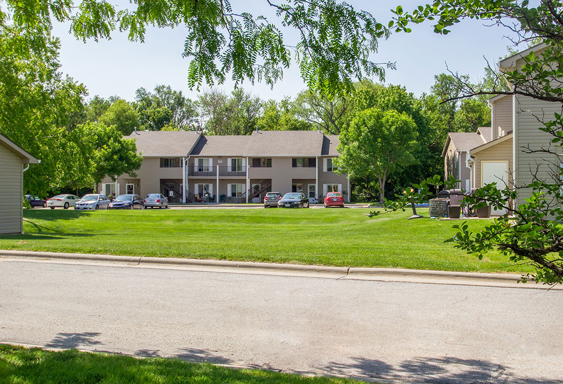 Lush Landscaping at The Bluffs Apartments in Council Bluffs, IA