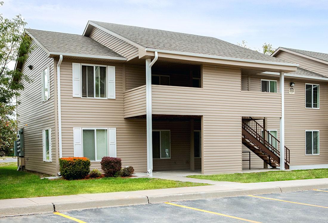 Council Bluffs Apartment Rentals at The Bluffs Apartments in Council Bluffs, IA