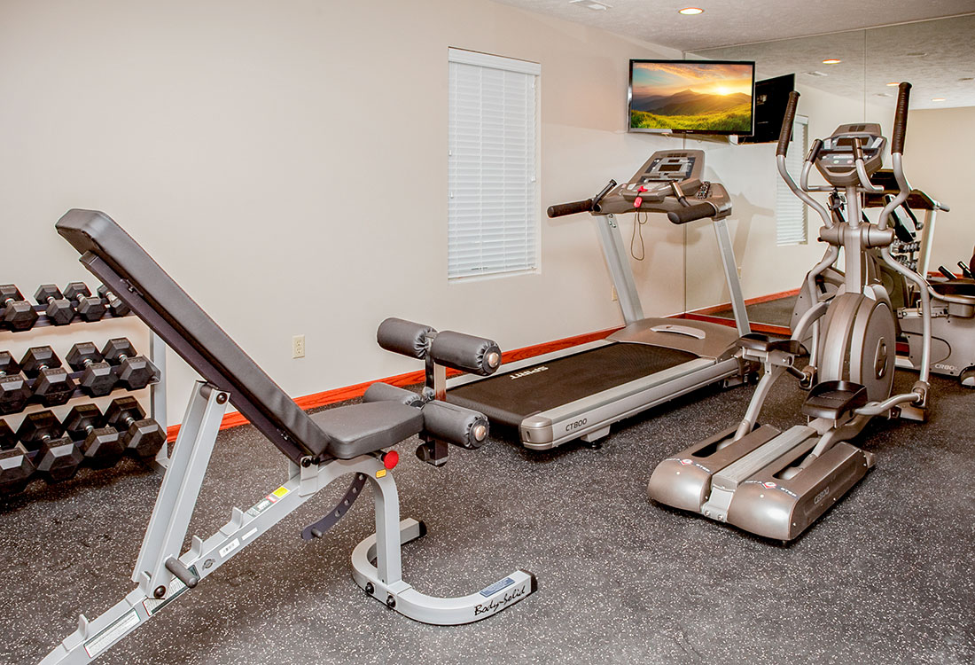 Fitness Center at The Bluffs Apartments in Council Bluffs, IA