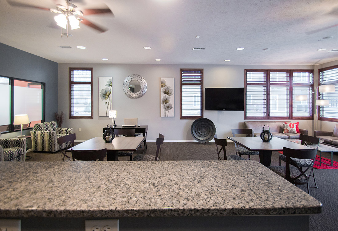 Resident Clubhouse at The Oaks at Lakeview Apartments in Ralston, NE