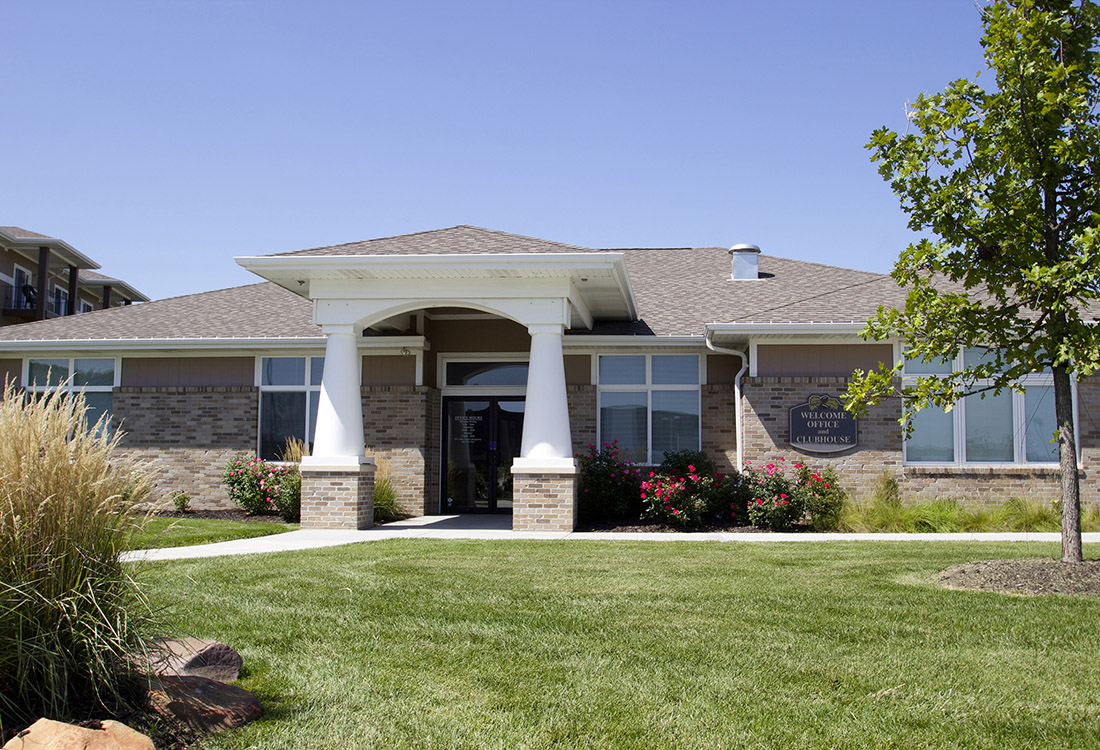 Leasing Center at The Oaks at Lakeview Apartments in Ralston, NE