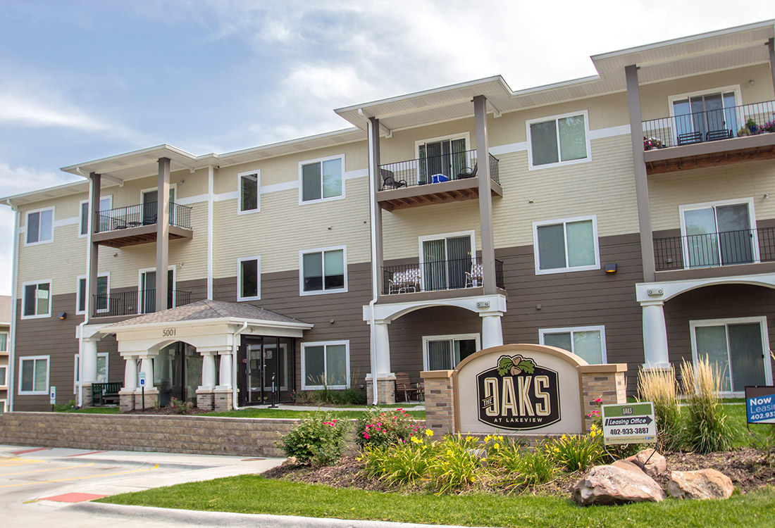 Apartments for Lease at The Oaks at Lakeview Apartments in Ralston, NE