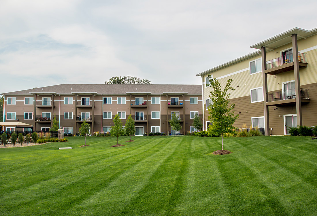 Lush Landscaping at The Oaks at Lakeview Apartments in Ralston, NE