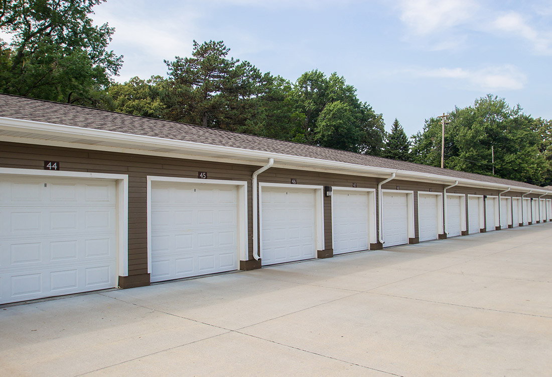 Detached Garages at The Oaks at Lakeview Apartments in Ralston, NE