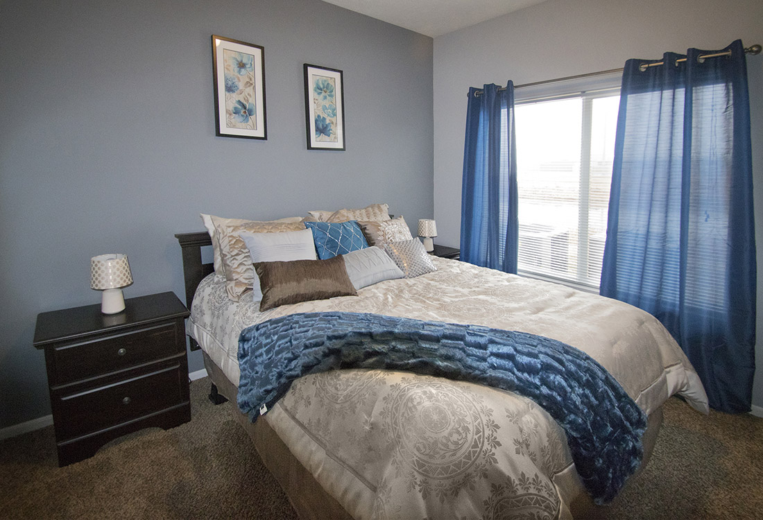 2-Bedroom Apartments for Rent at Oaks at The Oaks at Lakeview Apartments in Ralston, NE