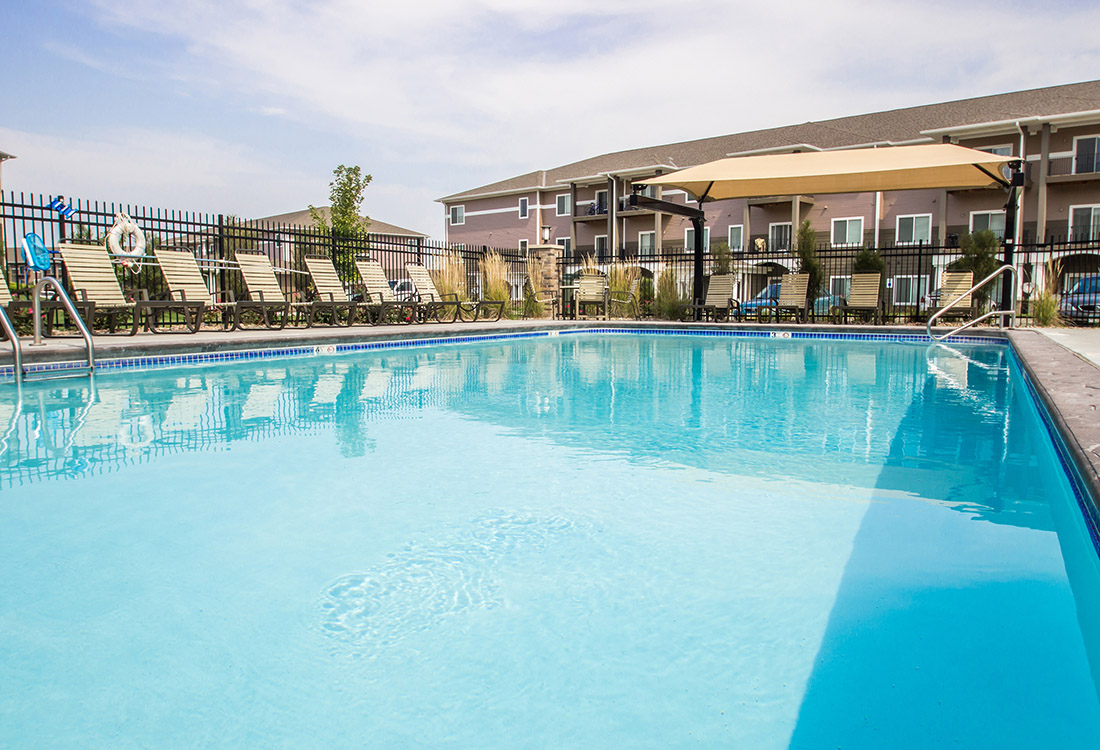 Sparkling Swimming Pool at The Oaks at Lakeview Apartments in Ralston, NE