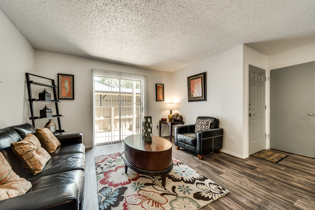 Comfortable Living Spaces at The Watermark Apartments in Mesquite, TX