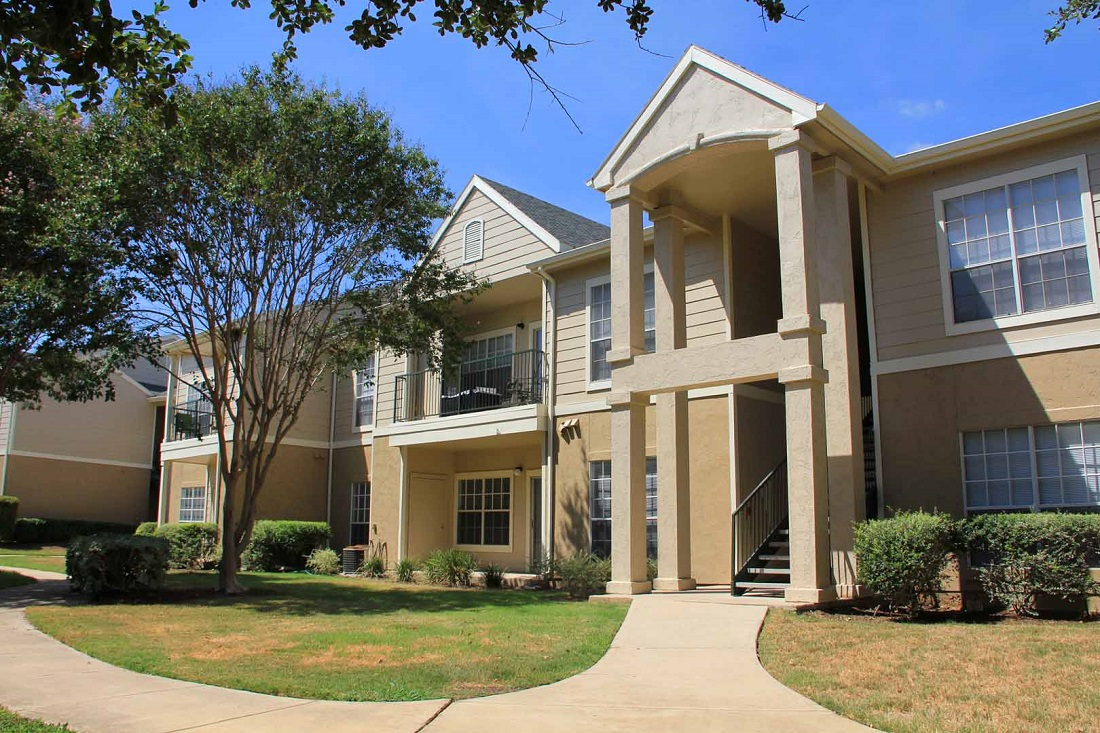 Apartments for Rent at Westmount at Three Fountains Apartments in San Antonio, Texas