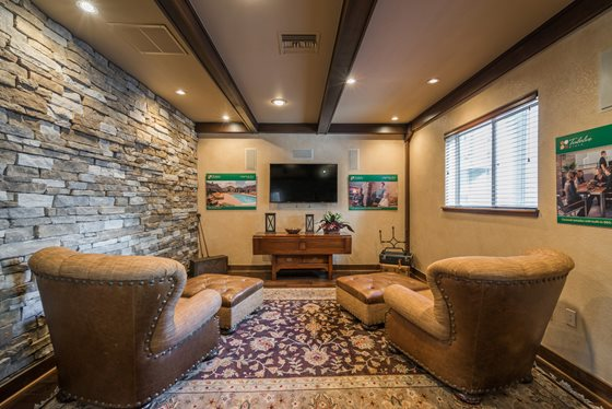 Inviting TV Lounge at Timberline Place Apartments in Flagstaff, Arizona
