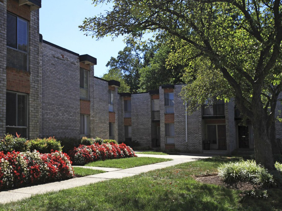 Exterior View at the Towne Crest Apartments in Gaithersburg, MD