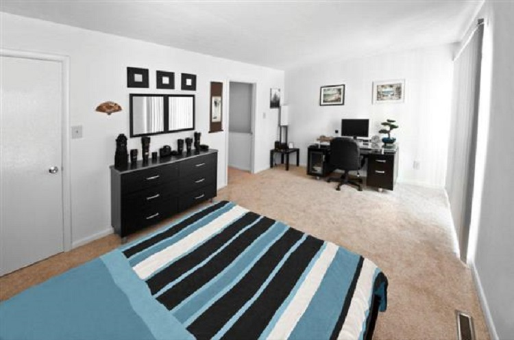Bedroom Interior at the Towne Crest Apartments in Gaithersburg, MD
