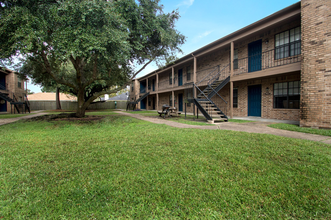 2-Bedroom Apartments at The Trace at North Major Apartments in Beaumont, Texas
