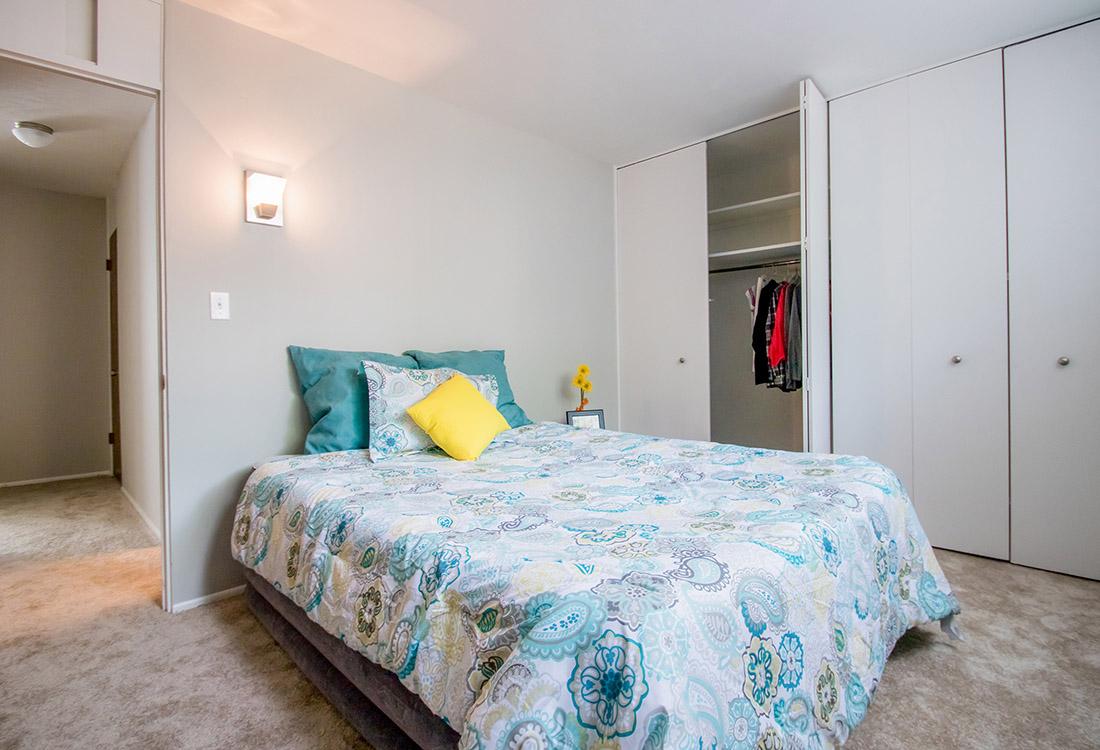 2 Bedroom Apartments for Rent at Trenridge Gardens Apartments in Lincoln  NE. Lincoln  NE Apartment Photos  Videos  Plans   Trenridge Gardens in