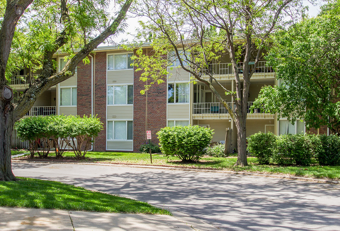 Apartments for Lease at Trenridge Gardens Apartments in Lincoln, NE