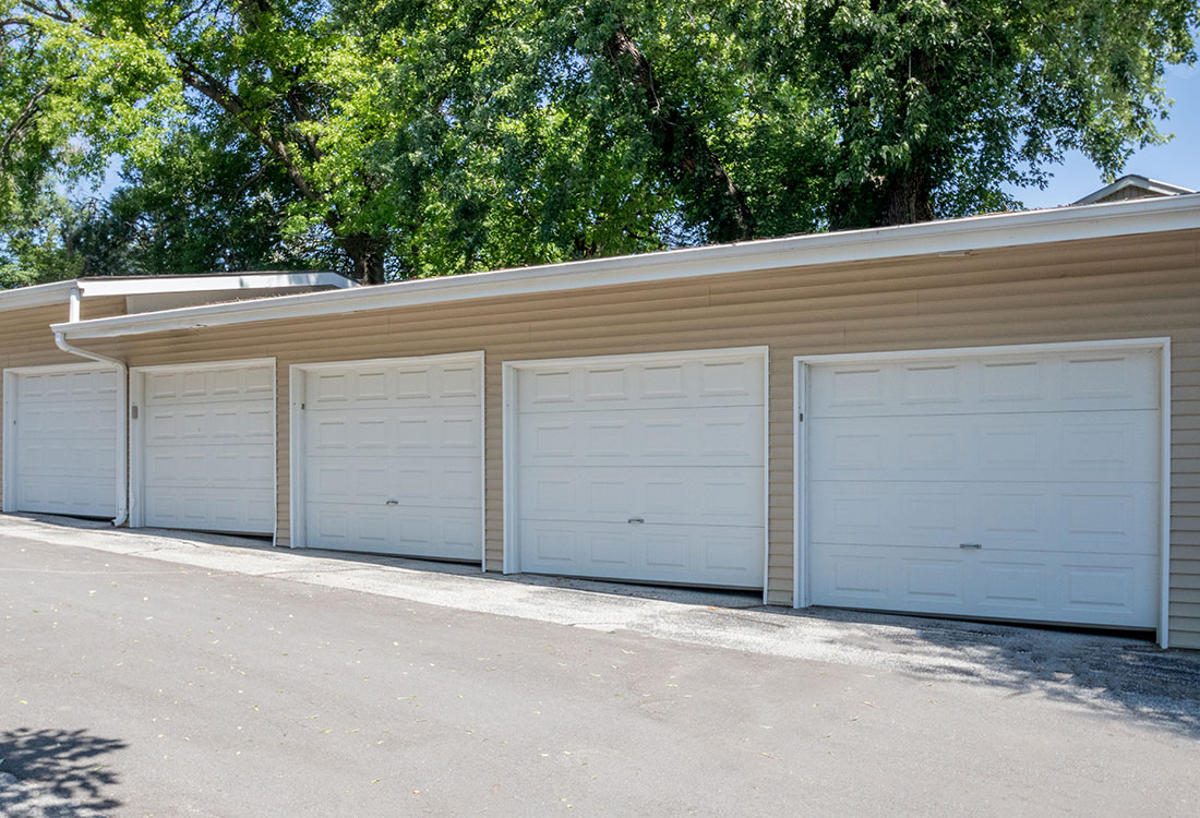 Garages at Trenridge Gardens Apartments in Lincoln, NE