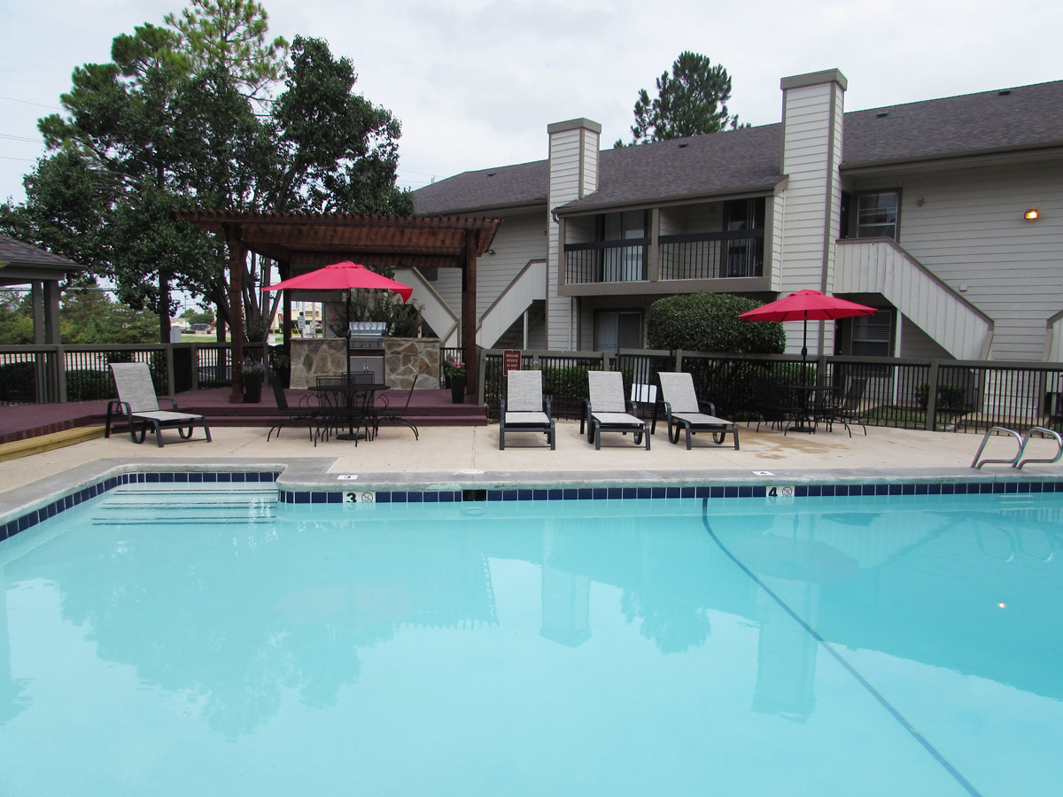 Sparkling Pool at Union Point Apartments in Tulsa, OK