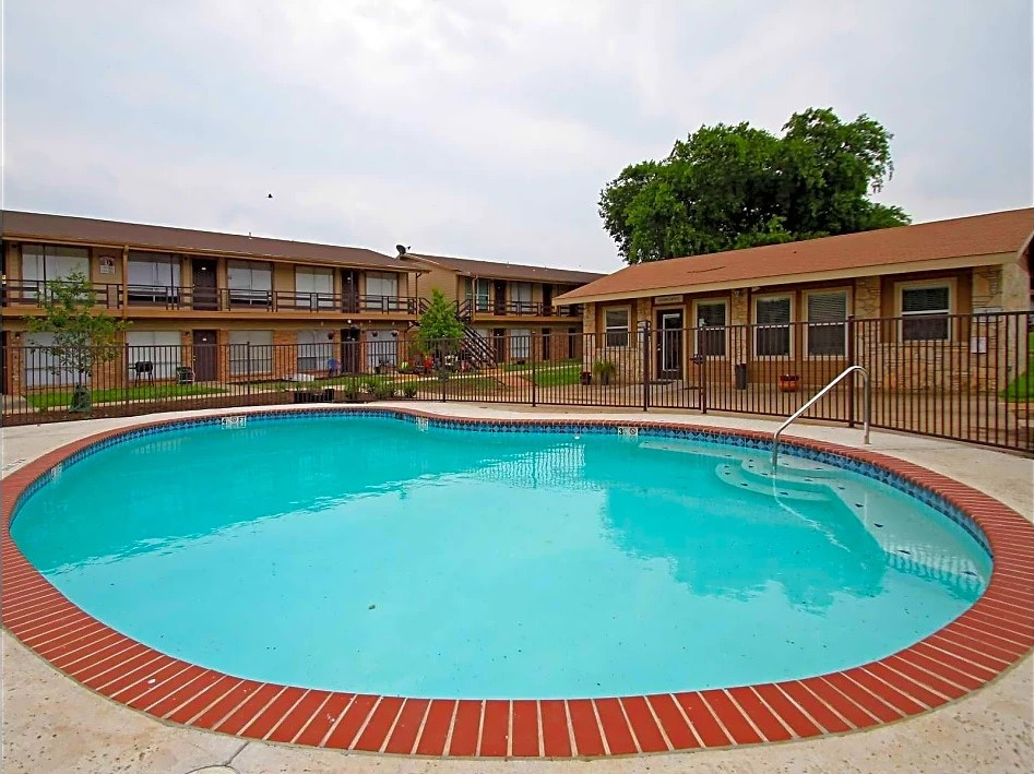 Refreshing Pool at Utopia Place Apartments in San Antonio, TX