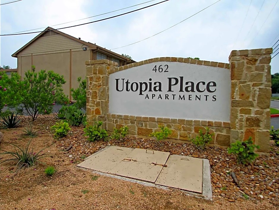 Welcome Signage at Utopia Place Apartments in San Antonio, TX