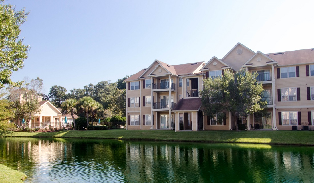 Pensacola Apartment Rentals at Village at Southern Oaks Apartments in Pensacola, FL