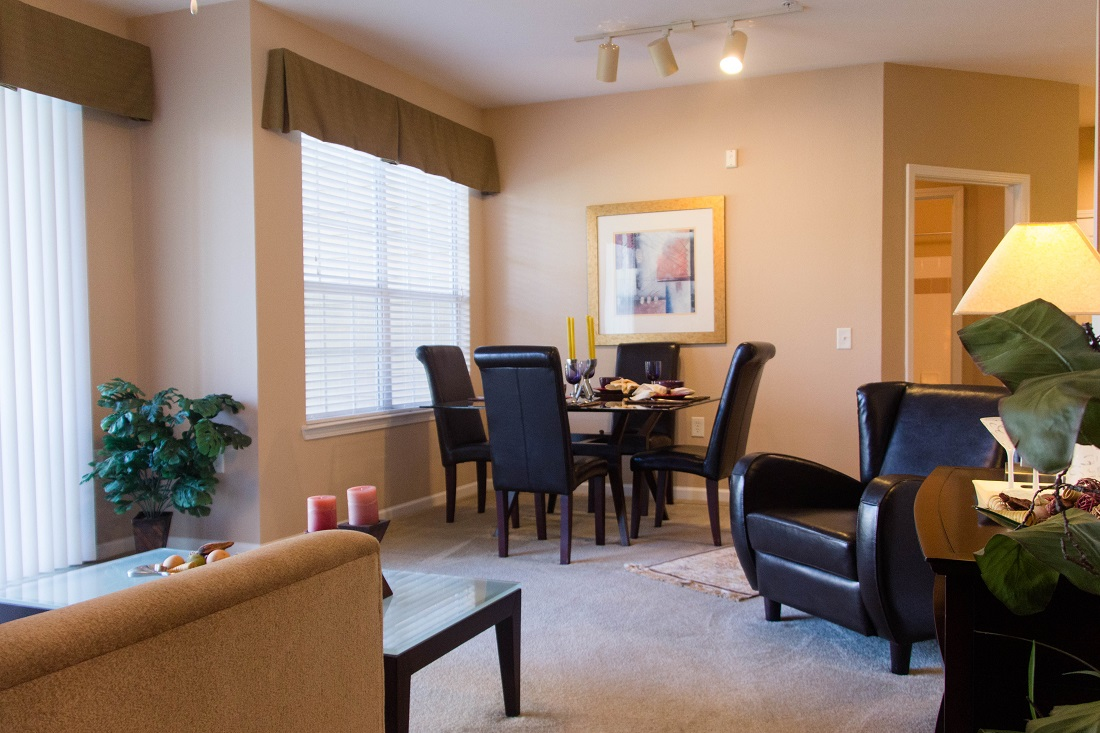 Dining Area at Village at Southern Oaks Apartments in Pensacola, FL